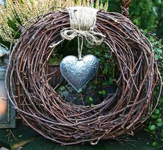 Do it yourself villiviinikranssi (Diy wreath) Christmas Wreaths, Christmas Crafts, Christmas Decorations, Wreath Crafts, Grapevine Wreath, Willow Wreath, Door Wreath, Deco Nature, Willow Weaving