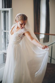 Beautiful Wedding Gown.....so pretty.
