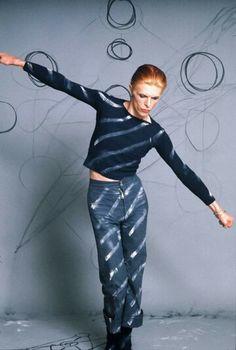 David Bowie photographed by Steve Schapiro in LA, 1974.