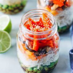 Sesame Stir Fry Noodle Jars- packed full of fresh veggies and comforting noodles, these jars are great to prep for healthy lunches! Vegan Zucchini, Zucchini Pasta, Zucchini Lasagna, Zucchini Boats, Zucchini Muffins, Healthy Meal Prep, Healthy Lunches, Healthy Recipes, Yummy Recipes