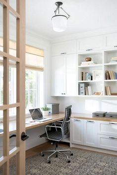 You won't mind getting work done with a home office like one of these. See these 20 inspiring photos for the best decorating and office design ideas for your home office, office furniture, home office ideas Guest Room Office, Home Office Space, Home Office Desks, Office Lounge, Office Room Ideas, Office Table, Home Office Cabinets, Office Inspo, Office Chic