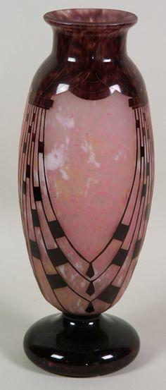 Le Verre Francais, Art Deco, cameo glass vase, circa 1928/1931