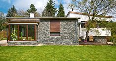 modern földszintes házak - Google-keresés Vintage Country, Country Style, Beautiful Homes, House Design, Modern, Mansions, House Styles, Outdoor Decor, Plants