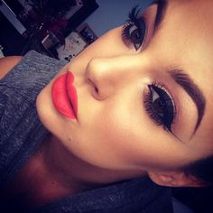 Gorgeous makeup. I need to become a pro if I get makeup for Christmas.