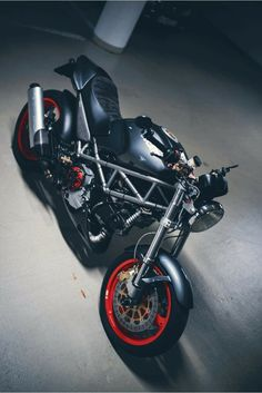 Ducati Monster, Scrambler, Sport Bikes, Cars And Motorcycles, Cool Cars, Mindset, Monsters, Horse, Iron