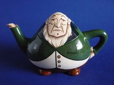 Wileman Intarsio Paul Kruger Character Teapot by Frederick Rhead (Sold) Teapot Design, Cute Teapot, Asian Design, Historical Artifacts, Pretty And Cute, Shape Patterns, Teapots, Knight, Pottery