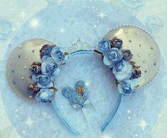 Disney's Cinderella Inspired Minnie Mouse Disney Ears - Source Instagram @ourretroart Disney Diy, Disney Bows, Disney Crafts, Cute Disney, Cinderella Disney, Cinderella Princess, Princess Flower, Cinderella Wedding, Disney Land
