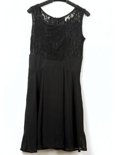 black sleeveless hollow out lace dress