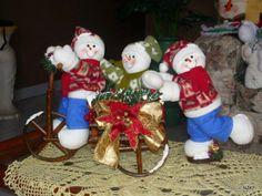 942714_559048330826775_1662701249_n Felt Christmas Decorations, Christmas Ornaments To Make, Christmas Nail Art, Christmas Projects, Winter Christmas, Christmas Stockings, Holiday Decor, Felt Doll Patterns, Spanish Holidays