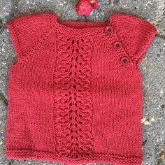 Tildes Vest – Ellen Larsen Design Baby Knitting, Knit Crochet, Vest, Sweaters, Design, Fashion, Moda, La Mode, Sweater
