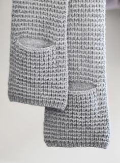 Ravelry: Mette Vested Cowl pattern by Olga Buraya-Kefelian Crochet Scarves, Crochet Shawl, Crochet Yarn, Crochet Clothes, Loom Knitting, Knitting Stitches, Knitting Patterns, Crochet Patterns, Crochet Crafts