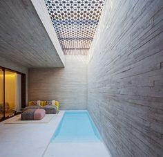 Concreto aparente + treliça de madeira #assimeugosto #arquitetura