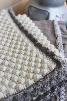 Lempipäiväni -tänään.: Virkattu peitto vauvalle Stitch Crochet, Bobble Stitch, Knit Crochet, Tattoos For Kids, Trousers Women, Zara Trousers, Cat Tattoo, Zara Home, Cat Design