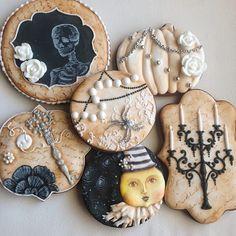 Halloween cookies Arty Magoo style