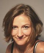 J'accueille Isabelle, auteur du livre Bien rédiger pour le Web, ouvrage de référence dans le domaine de la rédaction web et du nouveau DVD Stratégie de contenu et référencement Web & mobile.