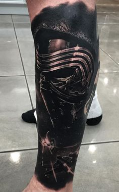 Incredibly Detailed Hyper-Realistic Tattoos By Drew Apicture - black & gray Kyl. - Incredibly Detailed Hyper-Realistic Tattoos By Drew Apicture – black & gray Kylo Ren tattoo © t - Star Wars Tattoo, Star Tattoos, Forearm Tattoos, Darth Maul Tattoo, Venom Tattoo, Dark Art Tattoo, I Tattoo, Badass Tattoos, Cool Tattoos