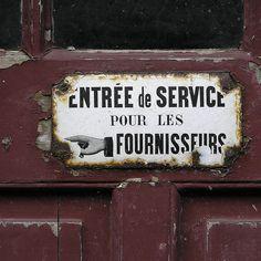 by Môsieur J.