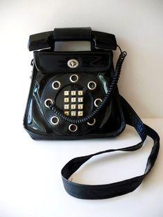 Retro Rainbow // Black + White    Alix's groovy phone purse!