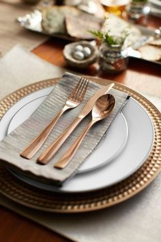 Hello, Holidays! Make Your Table Shine — Target | Apartment Therapy