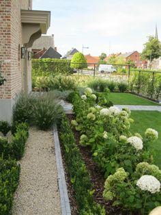 tuinarchitect voortuin landelijke stijl - Google zoeken