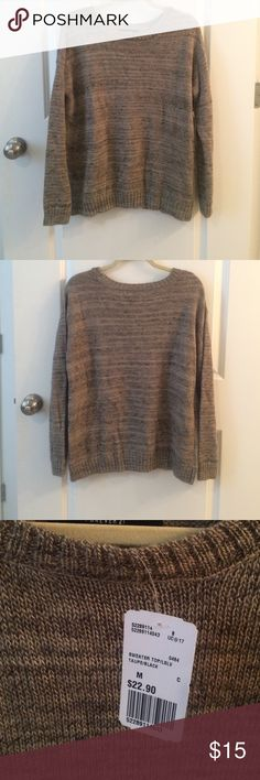 NWT Forever 21 Sweater NWT F21 sweater. Size M. Great condition! Never been worn! Forever 21 Sweaters