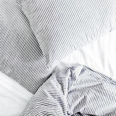 bed, white, and minimal-bild