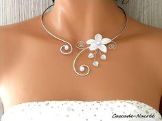 Inaya hliník stříbrný náhrdelník svatba bílé svatební květina perla: Náhrdelník podle bijoucascadenacree