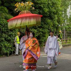 Court ladies dressed in Heian style kimono at the annual Aoi Matsuri (葵祭) in Kyoto City. #AoiMatusri, #葵祭, #Kyoto, #SaiōDai, #斎王代, #ShimogamoShrine, #下鴨神社,