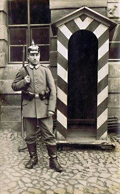 German/Prussian WWI sentry (early war)