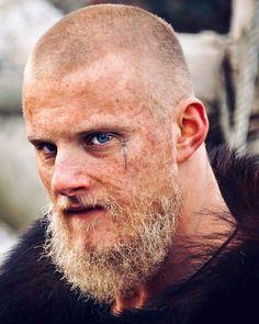 one off my favorite Vikings! Ragnar Lothbrok Haircut, Ragnar Lothbrok Vikings, Bjorn Lothbrok, Vikings Show, Vikings Tv Series, Lagertha, Viking Aesthetic, Viking Pictures, Beard Images