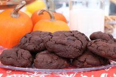 Coconut date squares - Cityline Brownie Cookies, Chocolate Cookies, 5 Ingredient Desserts, Bake Sale Recipes, Date Squares, Cooking Cookies, Sweet Cookies, Christmas Treats, Christmas Cookies