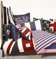 jack wills bed for my England inspired bedroom Colleg room! London Bedroom Themes, Union Jack Bedroom, London Decor, London Living Room, British Decor, London Dreams, Man Room, Boys Room Decor, Modern Room