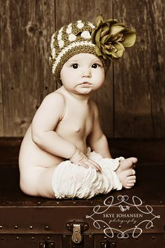 The CUTEST baby I have ever seen! Ah darling! :)