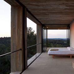 Solo House - Pezo von Ellrichshausen . . . . . . #solohouse #pezo #vonellrichshausen #estudiopalma #espagne #vineyards #maison #house #garden #instabam #teamarchi #pin #architecture #architectureporn #architect #archdaily