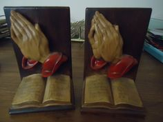 Chalkware Praying Hands Bookends Religion Bible Retro Vintage