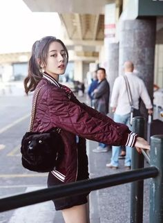 Korean Fashion On The Streets Of Paris Korean Fashion Styles, Asian Fashion, Girl Fashion, Womens Fashion, Pretty Asian, Beautiful Asian Women, Oversized Hoodie Outfit, Idol 3, Cute Girls