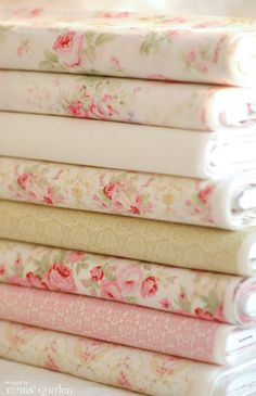 5 Graceful Cool Tips: Shabby Chic Dining Ana Rosa shabby chic chairs shades.Shabby Chic Painting Tin Cans shabby chic salon shades.Shabby Chic Painting Tin Cans. Shabby Chic Stoff, Shabby Chic Fabric, Vintage Shabby Chic, Shabby Chic Decor, Shabby Chic Quilts, Shabby Fabrics, Vintage Metal, Shabby Chic Bedrooms, Shabby Chic Homes