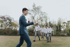 Groomsmen doing their thing  #groomsman #bestman #wedding