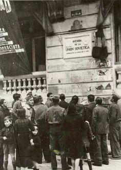 7 de noviembre 1937. Con una placa la denominada Avda. de Rusia, primer tramo de la actual Gran Vía, pasa a denominarse Avda. de la Unión Soviética. Fuente: Fotos Antiguas de España( facebook)
