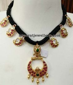 Latest Collection of best Indian Jewellery Designs. Simple Jewelry, Beaded Jewelry, Jewelery, Silver Jewelry, Beaded Necklace, Gold Necklace, Pearl Necklaces, Indian Jewellery Design, Latest Jewellery