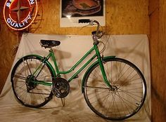 1974 SCHWINN SUBURBAN LADIES 10-SPEED ROAD CRUISER BIKE VINTAGE BICYCLE LIME 74!