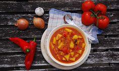 Ungarische Kartoffelsuppe Krompir-Paprikas - vegan