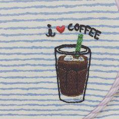. #i❤️coffee  자꾸만 야밤에 #커피 가 땡긴다. ☕️ . 커피는 안가리고 다 좋아하지만 그중에 제일은 아아 ( #아이스아메리카노 ) . 이건 #끈주머니 만들어야지.  만들다가 망하면 티코스터라도...  . #프랑스자수 #손자수 #자수 #자수타그램 #embroidery #handstitch  #americano #coffee #프롬유_자수일기