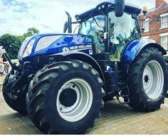 New Holland T7 New Holland Ford, New Holland Tractor, New Holland Agriculture, Ford Tractors, Ford News, Bike Art, Logan, Monster Trucks, Country