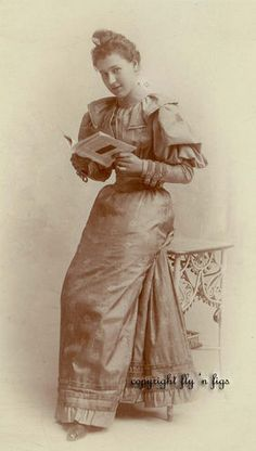 """""""I Love to Read"""" Woman with Book Antique Cabinet Photo Circa 1890   eBay"""