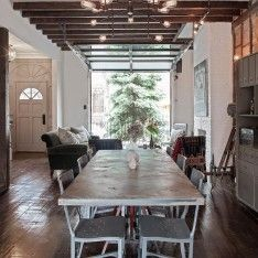 Gorge communal table at Urban Cowboy via The Venue Report #wherewillyoucelebrate