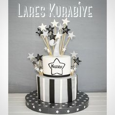 New Cake : North& age star themed cake ✌ ✌ Happy Birthday North Ÿ . New Cake, Easy Cake Recipes, Themed Cakes, Happy Birthday, Stars, Party, Instagram Posts, Age, Theme Cakes