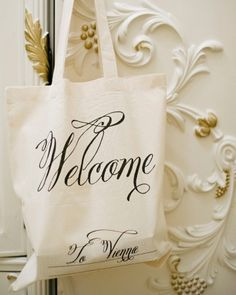 The guests of this Vienna wedding received welcome tote bags from Wedding Chicks