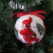 Купить или заказать Новогодняя игрушка Дед Мороз в интернет магазине на Ярмарке Мастеров. С доставкой по России и СНГ. Срок изготовления: 1 неделя. Материалы: шерсть, синтепон, кружево хлопок,…. Размер: Высота 10- 15 см