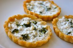 These Broccoli Tarts are made with clean ingredients from almond flour to feta cheese. #appetizer #vegetarian